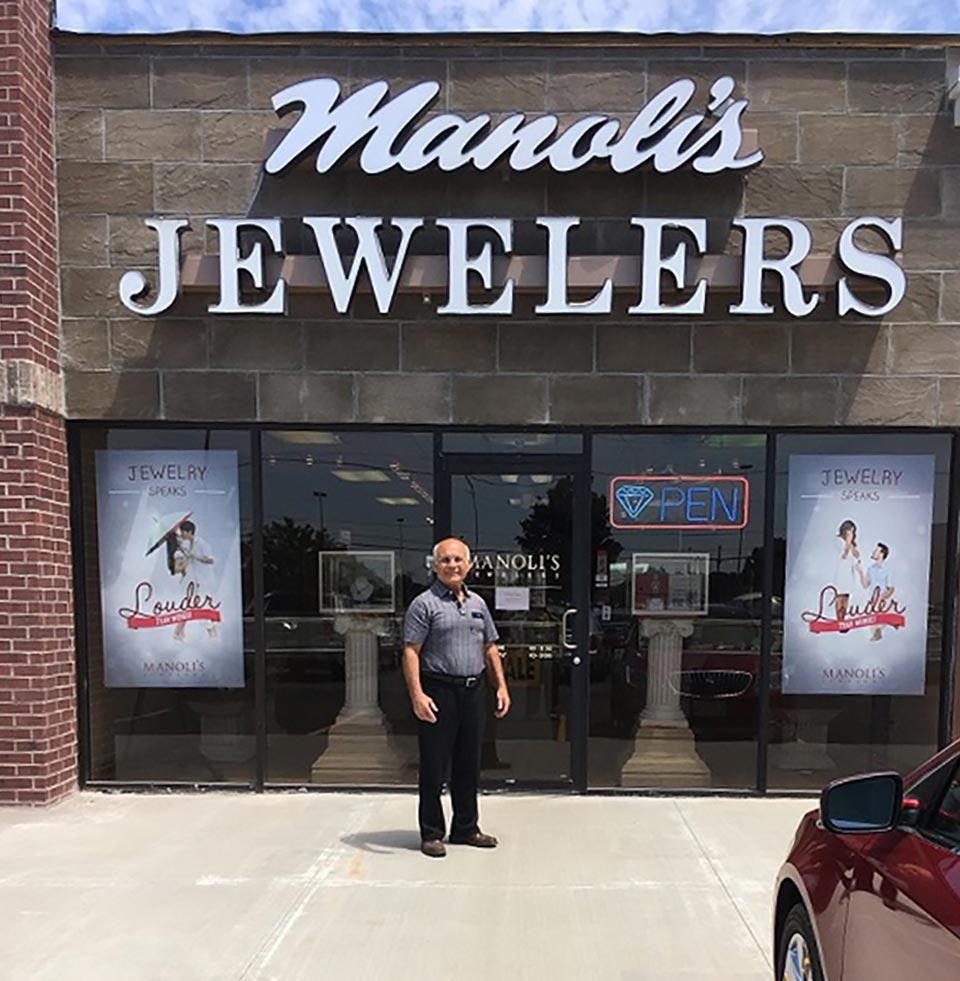Manolkis Jewelers Sign Brentwood Center